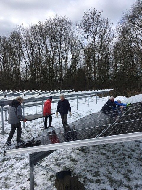 Energiepark: Panelen leggen